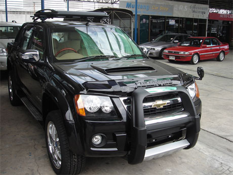Chevy Colorado 2008 accessorized front view - Get your Chevy now at Soni Motors Thailand and Jim 4x4 Thailand