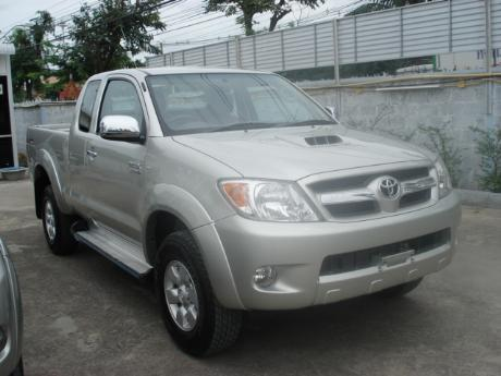 new and used Toyota Hilux Vigo Prerunner at Thailand's top Toyota new and used Hilux Vigo dealer Soni Motors Thailand